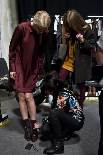 fashion-week-backstage.jpg-15
